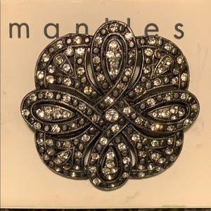 Mantles gorgeous white rhinestone brooch